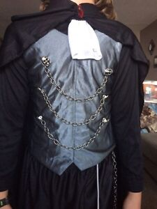 Vampire top and cape. Boys Size 8/10