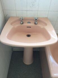 Retro pink bathroom suite