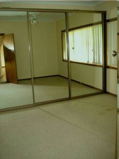 Neat, clean house, single bedroom for rent. Eastwood.