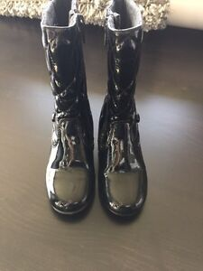 Girls Size 8 Black Patent Quilted boots  Kitchener / Waterloo Kitchener Area image 1