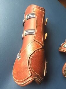 Antares Boots Size 2, used once Comox / Courtenay / Cumberland Comox Valley Area image 1