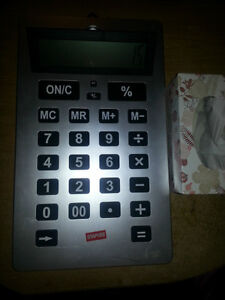 super HUGE calculator works perfect so clear its amazing!!!! London Ontario image 3