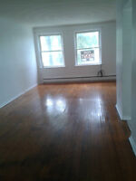 3 bedrooms Lawrence Ave E & Brimley + 1 living room