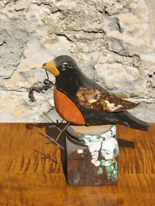Hand Carved, Hand Painted Wooden Folk Art Robin With Wire Worm Kitchener / Waterloo Kitchener Area image 2