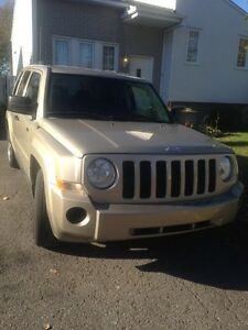 Jeep patriot North édition 2009 147000km manuel 4x4