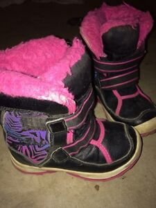 Girls size 10 winter boots