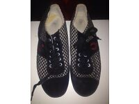 Fred Perry trainers / size 10
