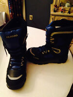 Yamaha Snowmobile Boots - NEW WITH TAGS. Size 13, fits like a 12