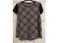 Newlook check tshirt size 8