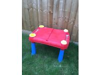 Child's sand/water play table