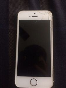 iPhone 5S 16gb Broken Screen Locked to Bell London Ontario image 1