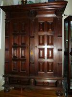 Commode de haute époque en bois massif - $775 (montreal)