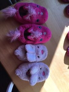 Slippers/ girls shoes/ boots