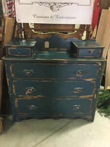 Dovetail Antique Dresser Buy And Sell Furniture In