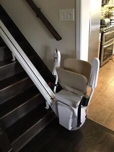Savaria K2 Stairlift MINT CONDITION Oakville / Halton Region Toronto (GTA) image 1