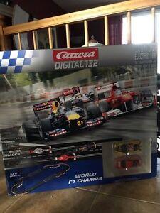 Carrera digital piste de course slot car 1/32 avec 3 voitures