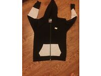 Brand new medium size tags on it boss track suit for sale 40 ovno