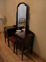 Antique Vanity & Bench / Coiffeuse & Banc For Immediate Sale