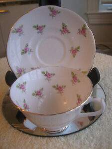 GORGEOUS OLD VINTAGE FINE BONE CHINA CUP & SAUCER