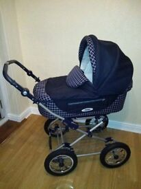 3 in 1 pram, carrycot and pushchair.