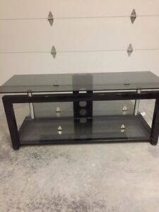 "TV Stand that holds up to 50"" Plasma  Kingston Kingston Area image 1"