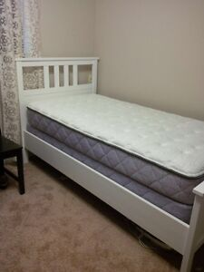 New High Quality Twin Bed even comes w/ cover and sets of sheets