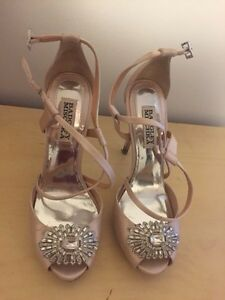 Badgley Mischka wedding shoes size 6