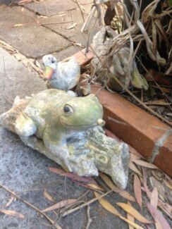 Vintage Timber  Ducks & Concrete Pond Frog Fountain  (He145) Concord Canada Bay Area Preview