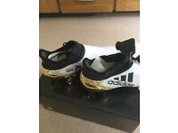 **RARE** Adidas GOLD Football Boots **RARE**