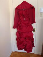 Superbe robe pour demoiselle d'honneur ou pour bal des finissant