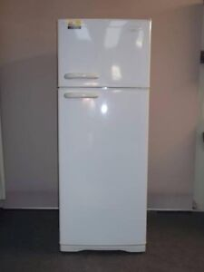 Kelvinator 410 L Refrigerator (Can delivery) Prestons Liverpool Area Preview