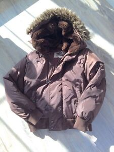 Women's ROOTS down filled parka size L-great condition London Ontario image 1