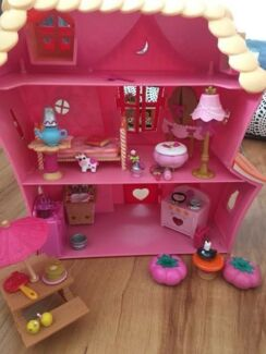 Lalaloopsy Doll House With Furniture, Dolls And A Portable House