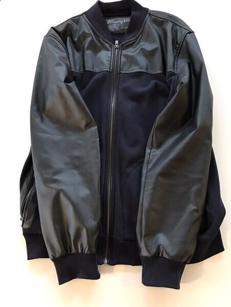 Black Leather Jacket XLin Coventry, West MidlandsGumtree - Black Leather/Wool Jacket combo great item and a real bargain is used but not worn a lot great offer