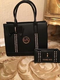 Faux leather black bag with wallet