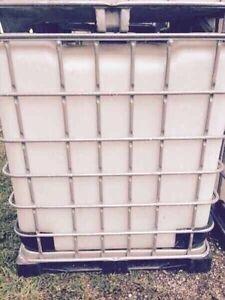 1200 liter plastic totes London Ontario image 6