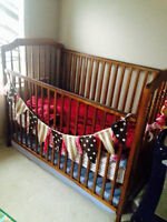 Crib with two mattresses