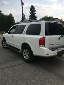 2011 Nissan armada 150000