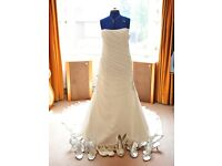 Maggie Sottero wedding dress Adele style stunning pristine must see size 16