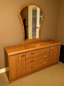 Double bedroom set like new condition
