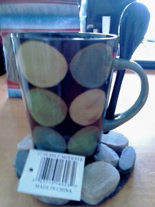 Cup with warming stones