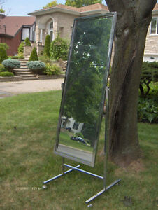 Standing Single Panel Floor Mirror with Casters - West Island Greater Montréal image 5