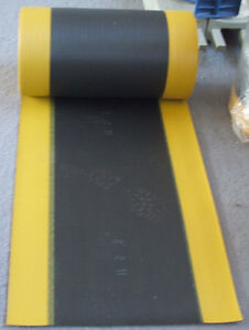 Rubber Mat, Black with Yellow edges, ribbed-texture London Ontario image 4