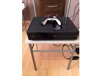 Xbox One 500GB and customised controller