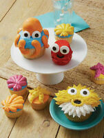 Kid's Cake Decorating Class - Day at the Beach Cupcakes