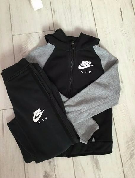 nike air max tracksuit boys