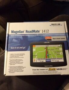 *BRAND NEW Magellan Roadmate Portable GPS