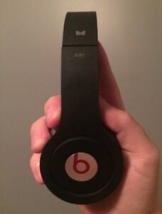 Beats solo by dr. Dre