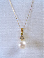 Pearl Solitaire & .24 White Topaz  10k Gold Necklace