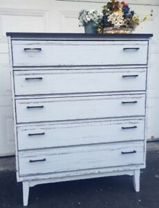 "GORGEOUS Mid-Century Dresser with 5 drawers- 38""x46"""